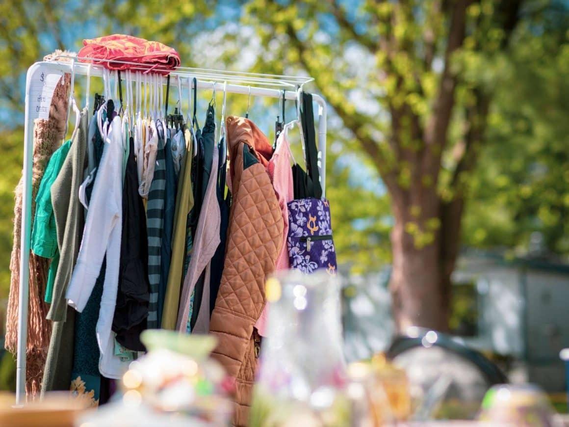 summer bucket list ideas-have a garage sale