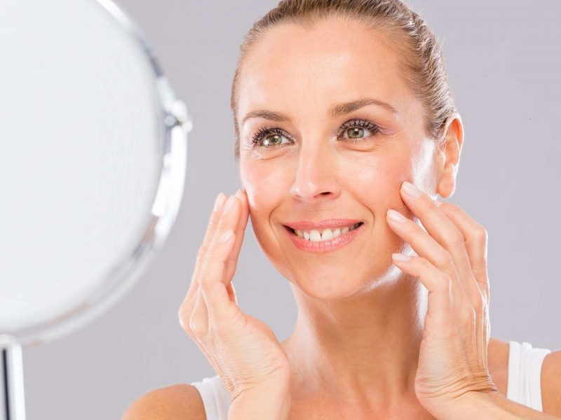 The Best Face Primer for Mature and Aging Skin (2021)