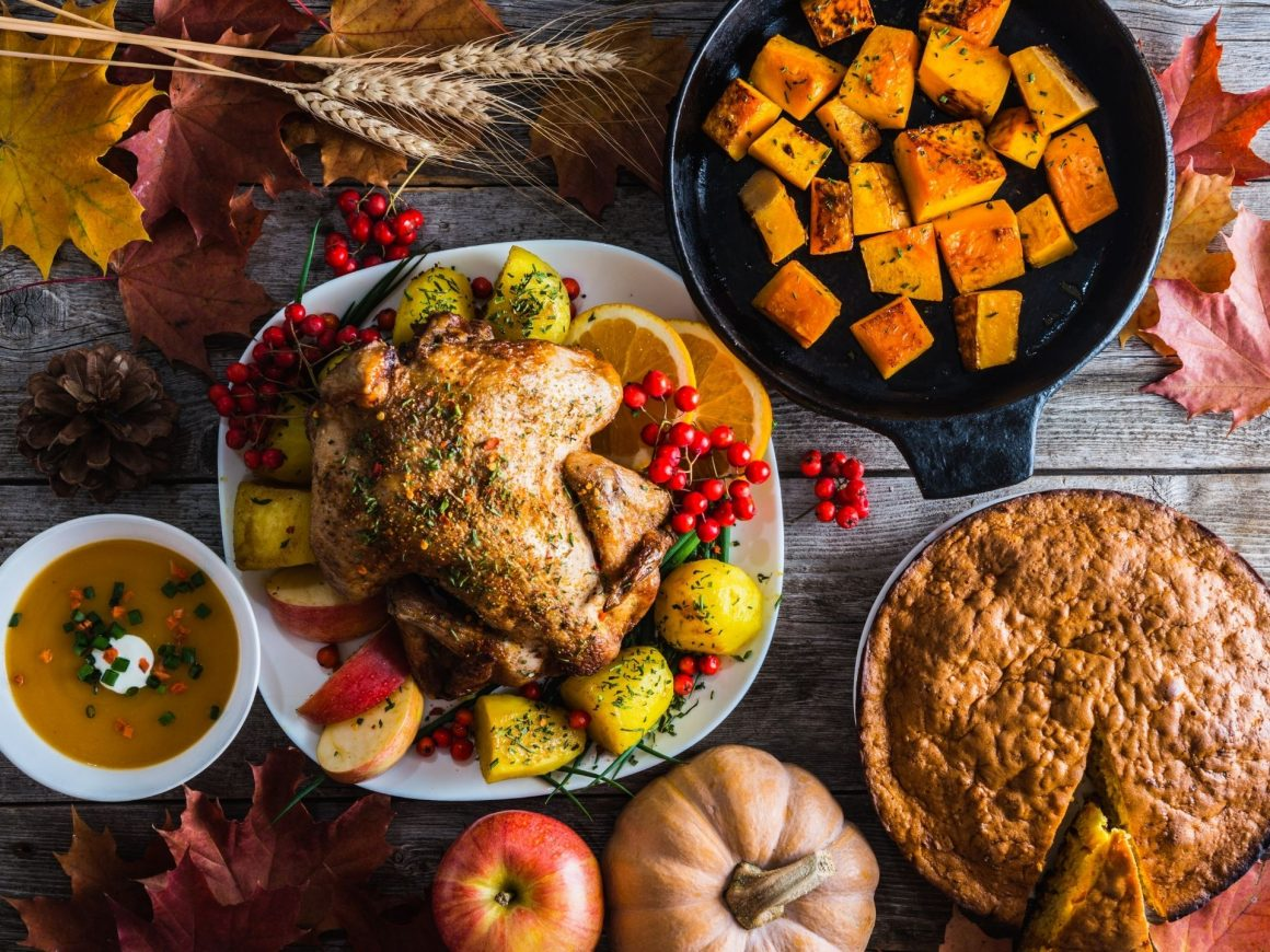host a Friendsgiving party this fall